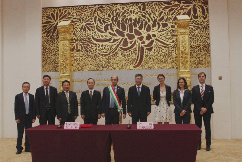 Lorenzoni in Cina
