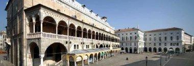 Comune - Salone - piazza delle Erbe 380 ant